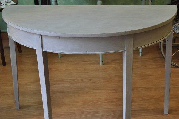 Mesa pintada con la chalk paint de autentico for Blanco tiza pintura