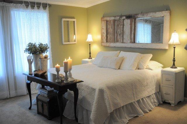 Reciclar muebles decorar con puertas o ventanas for Lamparas cabezal cama