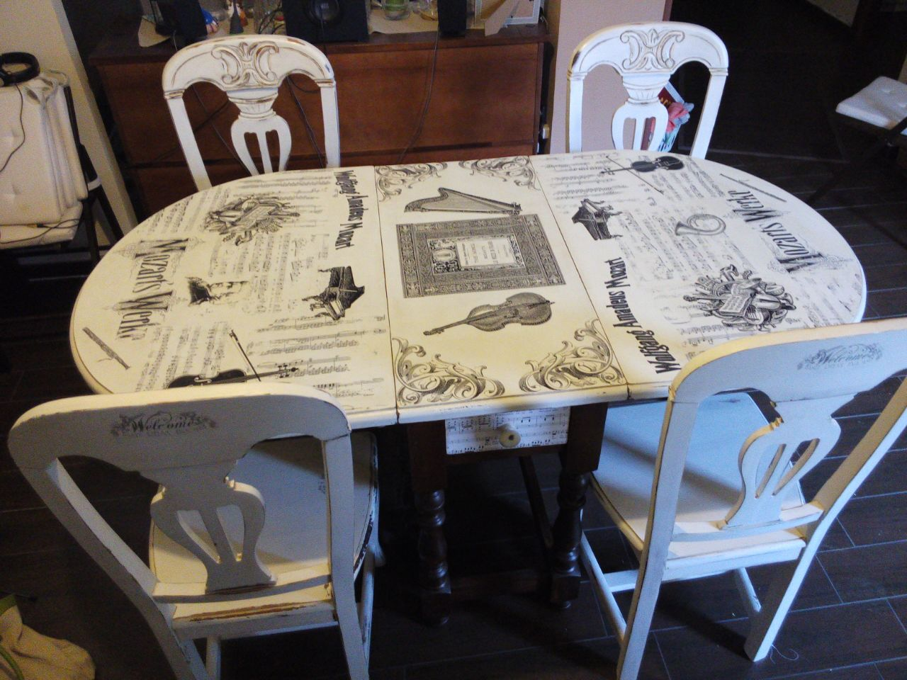 Pintar mesa sillas tienda online chalk paint - Mesas de comedor restauradas ...